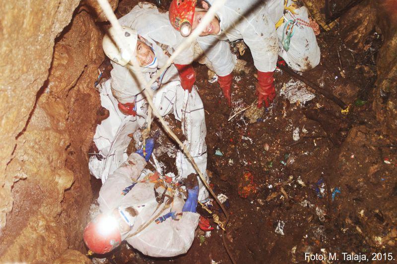 Čišćenje jame Korčinke (preuzeto sa: http://www.cistopodzemlje.info/ )